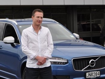 Kiwis-ordering-plug-ins-before-test-drive-–-Volvo-PIC-Caption-Coby-Duggan